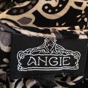 Angie Tops - Angie Tunic with elastic waist! Flattering L